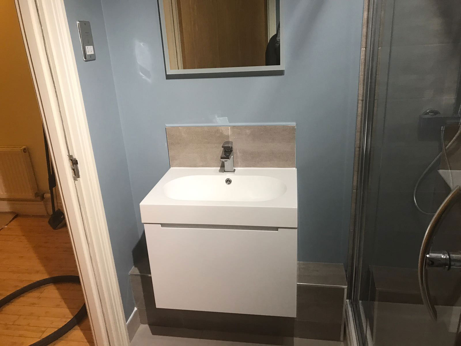 Two new bathroom suites installations in moseley birmingham for Bathroom design birmingham