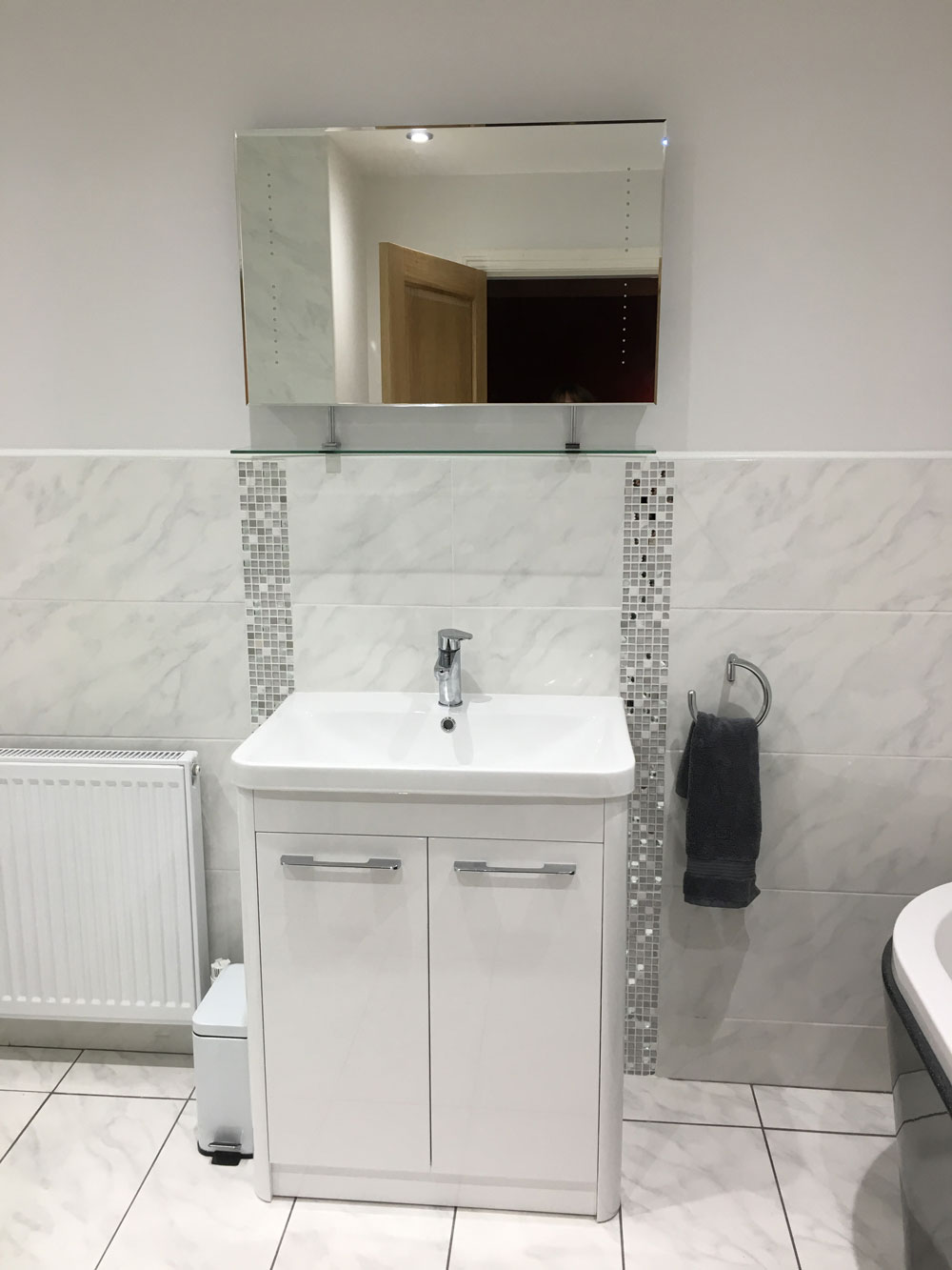 New Bathroom In Kings Norton Birmingham Installation Of Shower Bath - I need a new bathroom