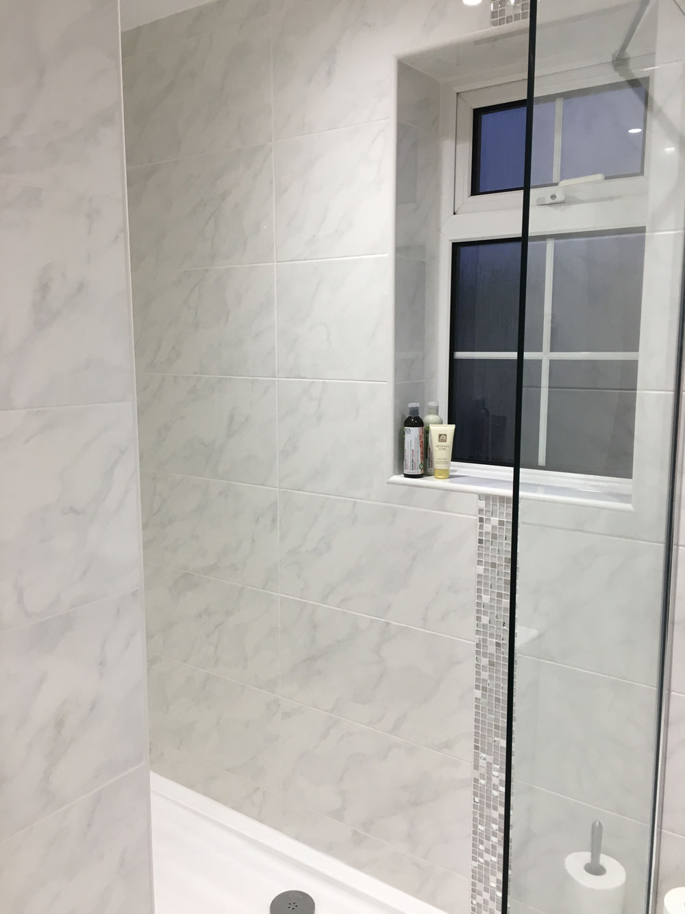 Bathrooms birmingham uk - New Vanity Units Were Installed Along With New Plumbing Tiling And A New Floor We Also Carried Out The Plastering And Tiling So There Was No Need To
